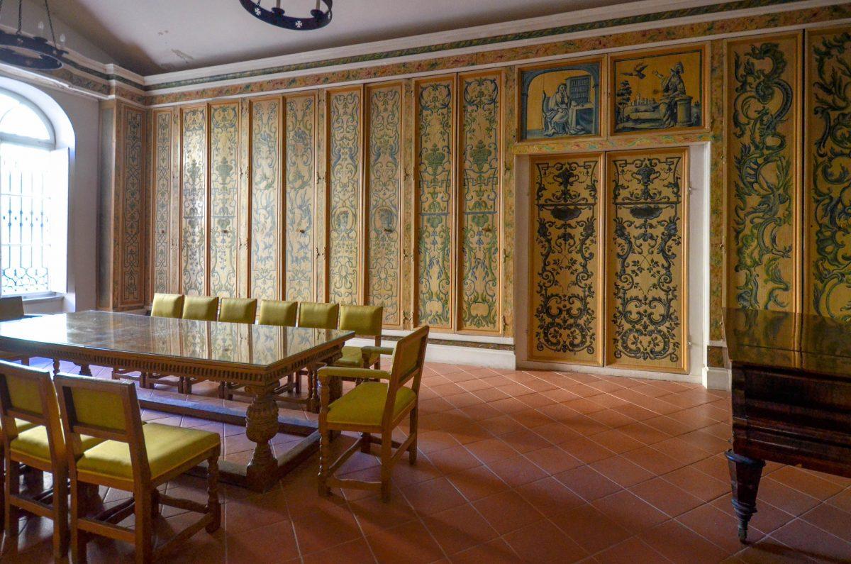 Der kostbare Schreibtisch im Rektorenpalast von Dubrovnik zählt zu den Highlights des kulturhistorischen Museums, Kroatien - © FRASHO / franks-travelbox