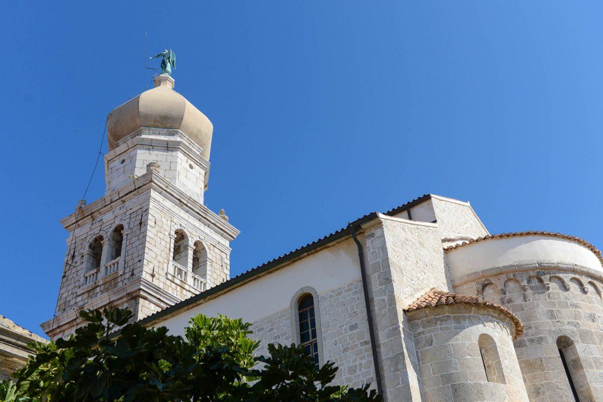 Die eindrucksvolle Kathedrale von Krk Stadt macht die Inselhauptstadt zum geistlichen Zentrum des Bistums Krk, Kroatien - © James Camel / franks-travelbox