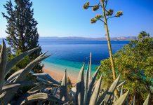 Mit malerischen Ortschaften und dem schönsten Strand der Adria ist die Insel Brac eines der beliebtesten Ferienziele Kroatiens - © Zocchi Roberto / Shutterstock