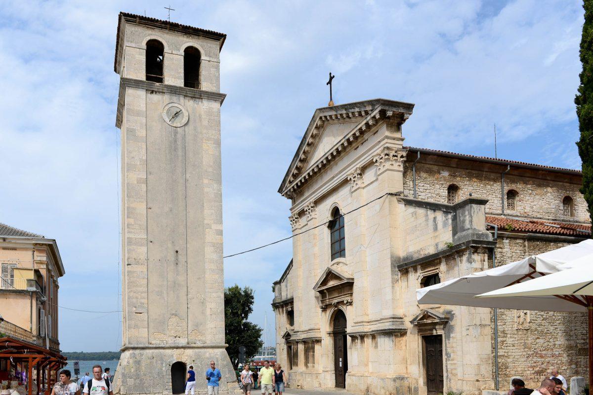 Die Kathedrale Maria Himmelfahrt in Pula, Kroatien, wurde im 5. Jahrhundert begonnen und bis zu ihrer Vollendung im Jahr 1707 immer wieder erweitert - © James Camel / franks-travelbox