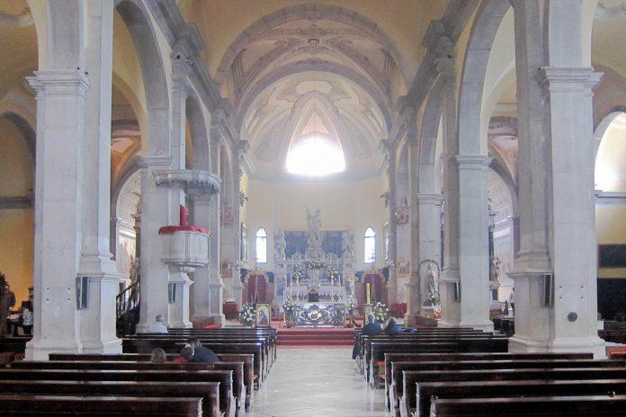 Die markante Kirche Sveti Eufemija in der Altstadt von Rovinj ist der Schutzpatronin der Stadt geweiht, Kroatien - © FRASHO / franks-travelbox