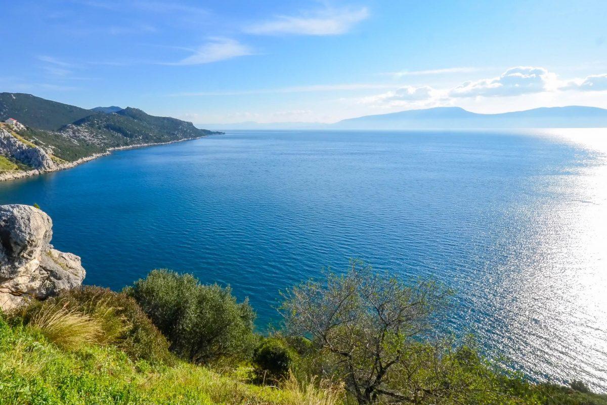 Seit die Makarska Riviera auf der Adriastraße mit dem Auto befahrbar ist, kommen immer mehr Touristen in diese malerische Gegend am Mittelmeer, Kroatien - © FRASHO / franks-travelbox