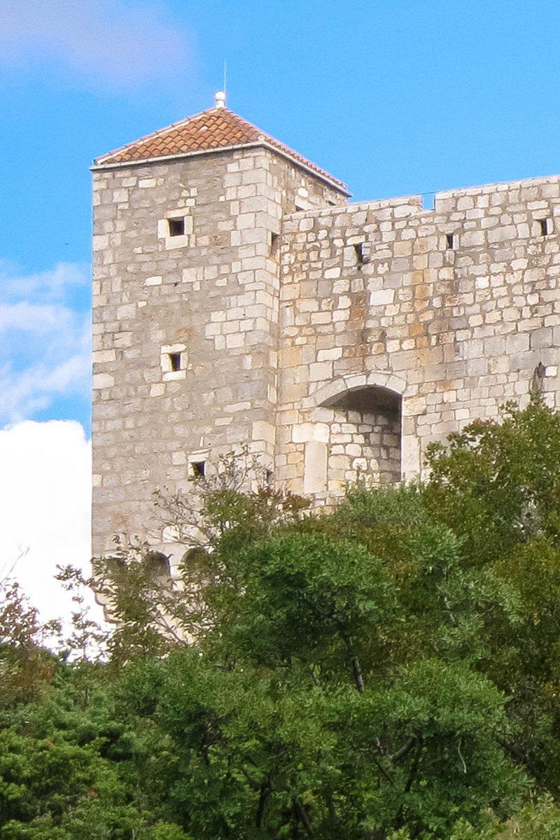 Die quadratische Burg Kula Nehaj wurde im Jahr 1559 nach 8jähriger Bauzeit fertiggestellt und galt damals als uneinnehmbar, Senj, Kroatien - © FRASHO / franks-travelbox