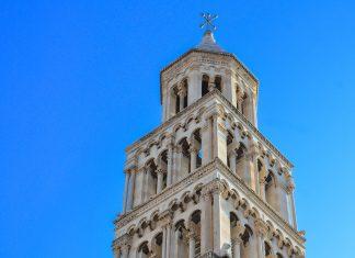Der Glockenturm der Kathedrale von Split stammt aus dem 13. Jahrhundert und zählt zu den besterhaltenen der gesamten Adria-Küste, Kroatien - © FRASHO / franks-travelbox