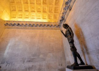 Die Krypta unter dem Jupitertempel von Split, Kroatien, beherbergt die Gräber der Erzbischöfe Ivan II. und Lawrence aus dem 8. und 11. Jahrhundert - © FRASHO / franks-travelbox