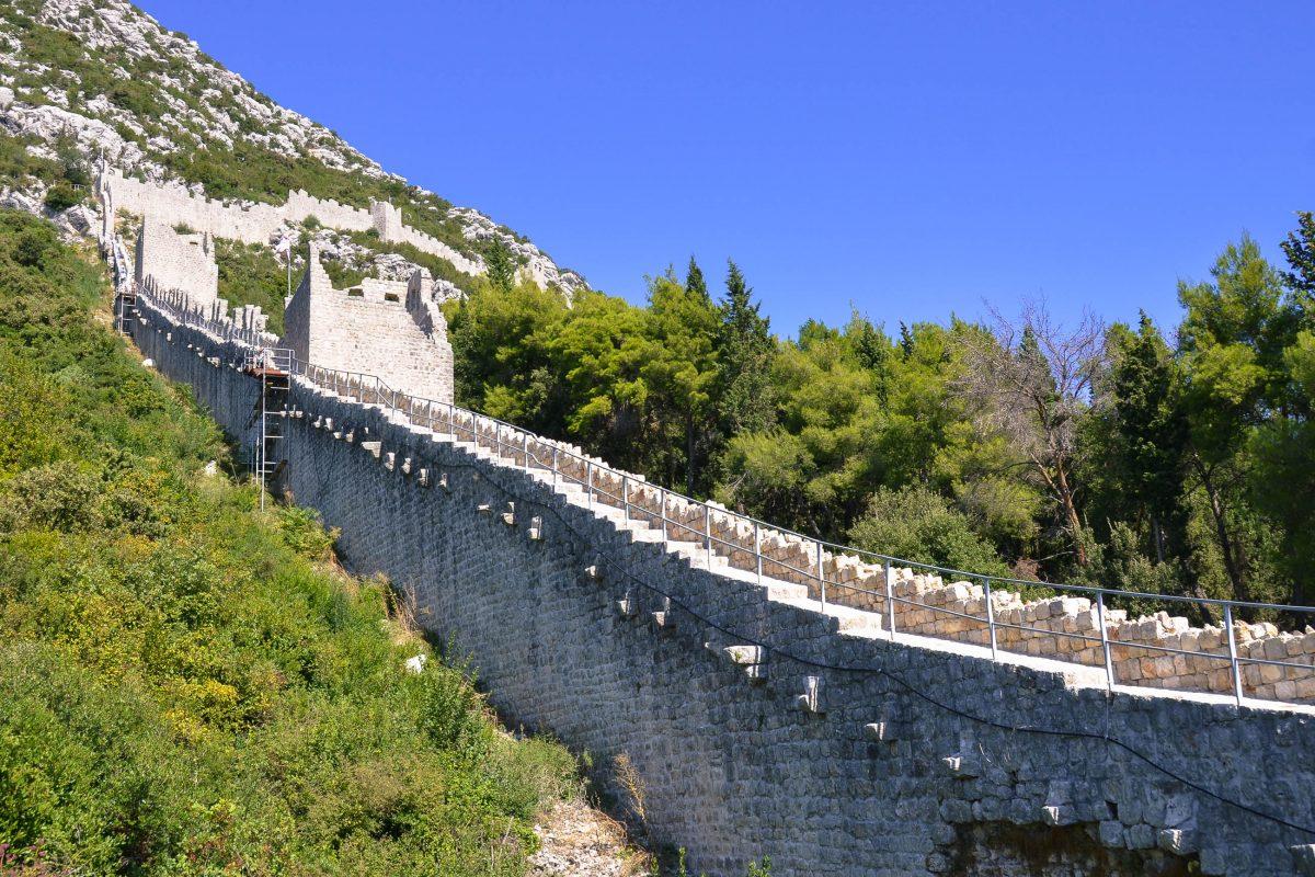 Große Teile der Festung von Ston können heute noch besichtigt werden. Dazu ist allerdings einiges an Kondition erforderlich, Kroatien - © FRASHO / franks-travelbox