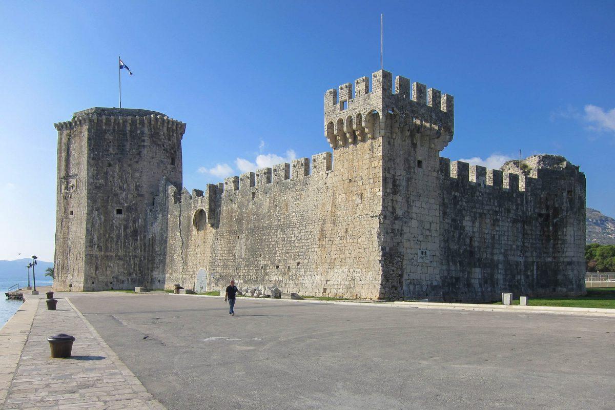 Die imposanteste Festung Kamerlengo in Trogir liegt im Osten der Altstadt, Kroatien - © FRASHO / franks-travelbox