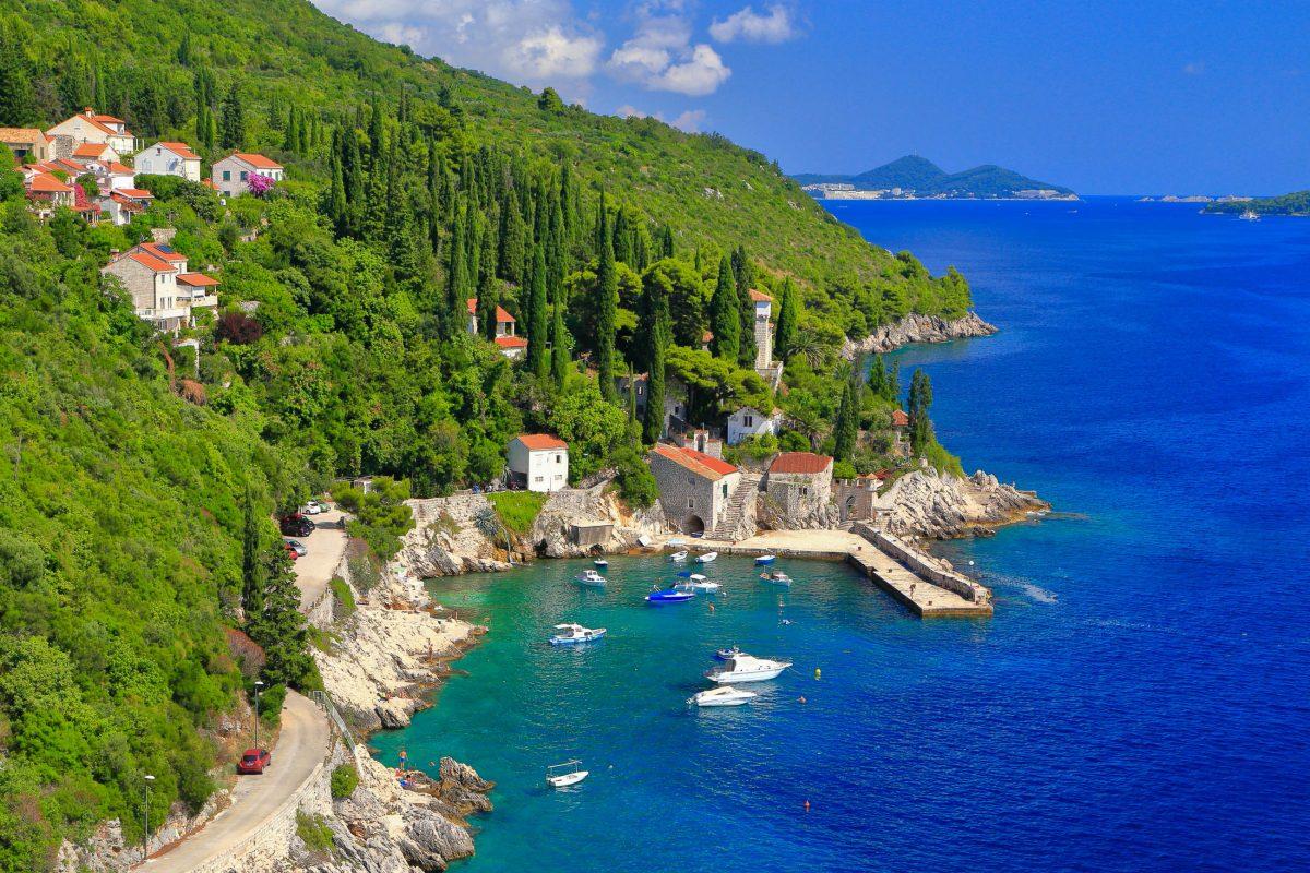 Die Gärten von Trsteno liegen im Süden von Kroatien direkt an der Küstenstraße zwischen Orašac und Slano - © Inu / Shutterstock