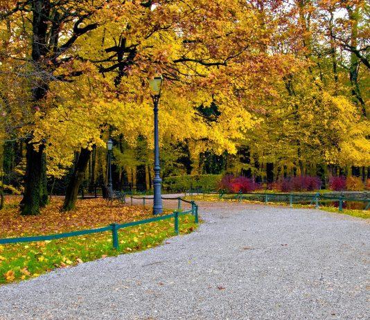 Der Maksimir Park in Zagreb, Kroatien, ist der älteste und größte Park Südeuropas - © ibreakstock / Shutterstock