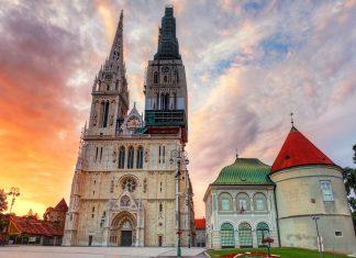 Die weithin sichtbare Kathedrale von Zagreb zählt zu den berühmtesten Kirchen von Kroatien - © TTstudio / Shutterstock