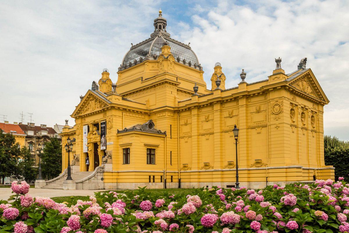 Neben seinen inneren Werten ist auch das Äußere des Kunstpavillons von Zagreb den einen oder anderen genauen Blick wert, Kroatien - © Andrii Lutsyk / Shutterstock