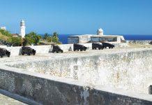 Das Castillo de san Pedro de la Roca, an der südlichen Küste Kubas bewacht die Einfahrt in die Bucht zu Santiogo de Cuba  - © Richard Semik / Shutterstock