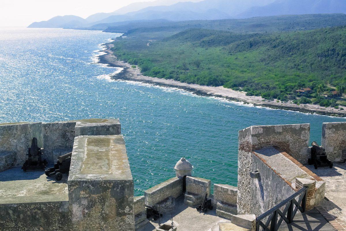 Das Castillo de san Pedro de la Roca in Kuba ist eine der besterhaltenen Befestigungsanlagen und zählt zum Weltkulturerbe der UNESCO - © Richard Semik / Shutterstock