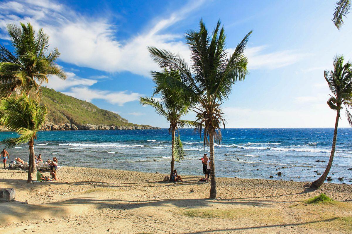 Der Playa Siboney liegt 19km von Santiago de Cuba entfernt und bietet neben der Idylle des Meeres auch die städtischen Vorzüge mit Bars, Cafés, Restaurants und Shopping-Meilen, Kuba - © Aleksandar Todorovic - Fotolia