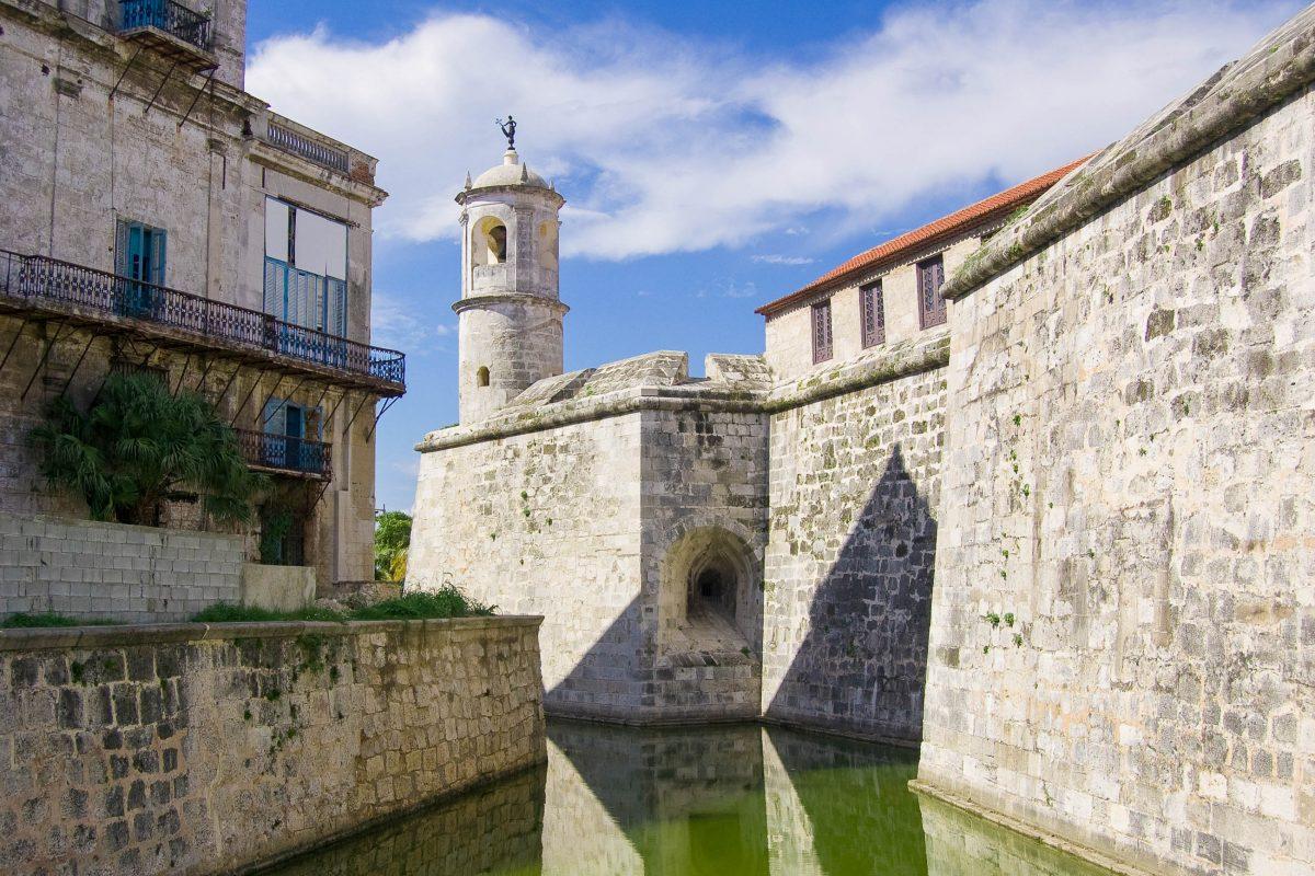 Das Castillo de la Real Fuerza war 1558 die erste Festung in der Altstadt von Havanna, die nach dem Überfall durch Jaques de Sores wieder errichtet wurde, Kuba - © BasPhoto / Fotolia