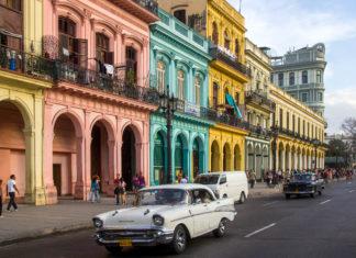 Prachtvolle Kolonialbauten im Stil des Barock und Neoklassizismus aus den letzten vier Jahrhunderten findet man in Havanna, Kuba - © claffra / Shutterstock