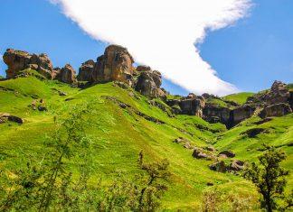 Landschaft im Sehlabathebe-Nationalpark in den Maloti-Bergen im Südosten von Lesotho - © meunierd / Shutterstock