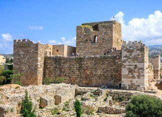 Die Ruinen und historischen Bauwerke in Byblos reichen von Assyrern und Persern über Griechen und Römer bis hin zu den Kreuzrittern, Libanon - © diak / Fotolia