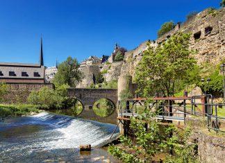 Das unterirdische Verteidigungssystem - die Kasematten - aus steinernen Höhlen und Gängen wurde im Jahr 1994 gemeinsam mit der Altstadt von Luxemburg von der UNESCO zum Weltkulturerbe erklärt - © Peter Fuchs / Shutterstock