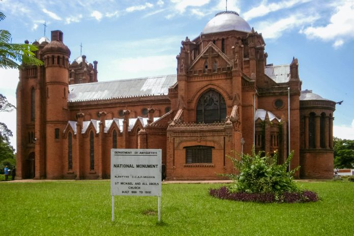 Die St. Michael and All Angels Church in Blantyre, Malawi wurde ganz ohne Professionisten errichtet - © AndrewDressel CC BY-SA3.0/W