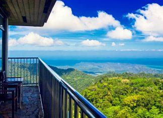 Ausblick von der höchsten Erhebung von Langkawi, dem 890m hohen Gunung Raya im Zentrum der Insel, Malaysia - ©  liseykina / Shutterstock