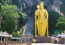 Die gigantischen Batu Höhlen in Malaysia etwa 15km nördlich der Hauptstadt Kuala Lumpur werden als hinduistische Tempel und Schreine genutzt, Malaysia - © shaun robinson / Fotolia