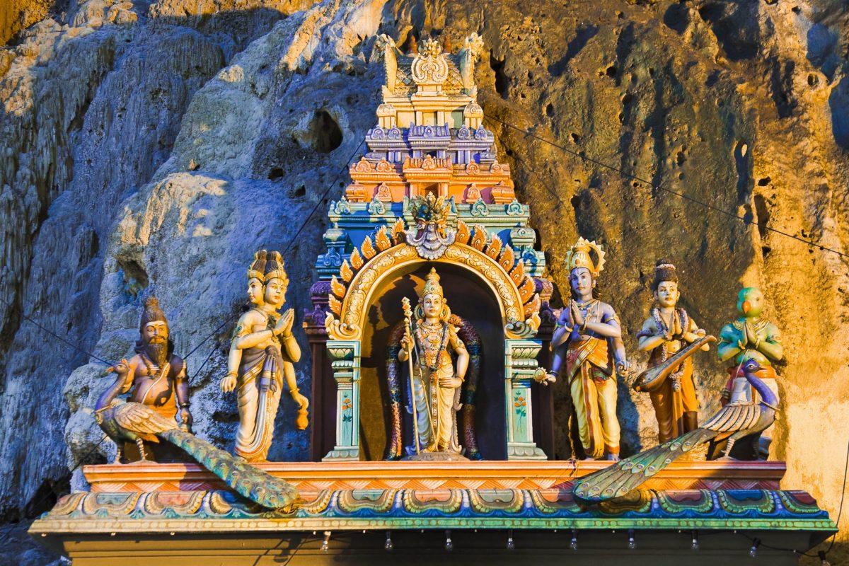 Hindustatuen in den Batu Höhlen in der Nähe von Kuala Lumpur, Malaysia - © Nikolai Sorokin / Fotolia