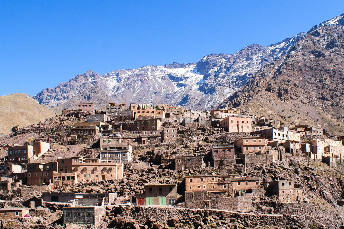 Die Ortschaft Imlil im Atlasgebirge beim Toubkal Nationalpark, Marokko - © Alan Kraft / Shutterstock