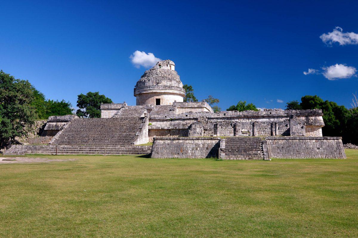 Der Caracol - der schneckenturm - stellt in seiner letzten Ausbauphase ein Observatorium dar, Chichen Itza, Mexiko - © jgorzynik / Fotolia