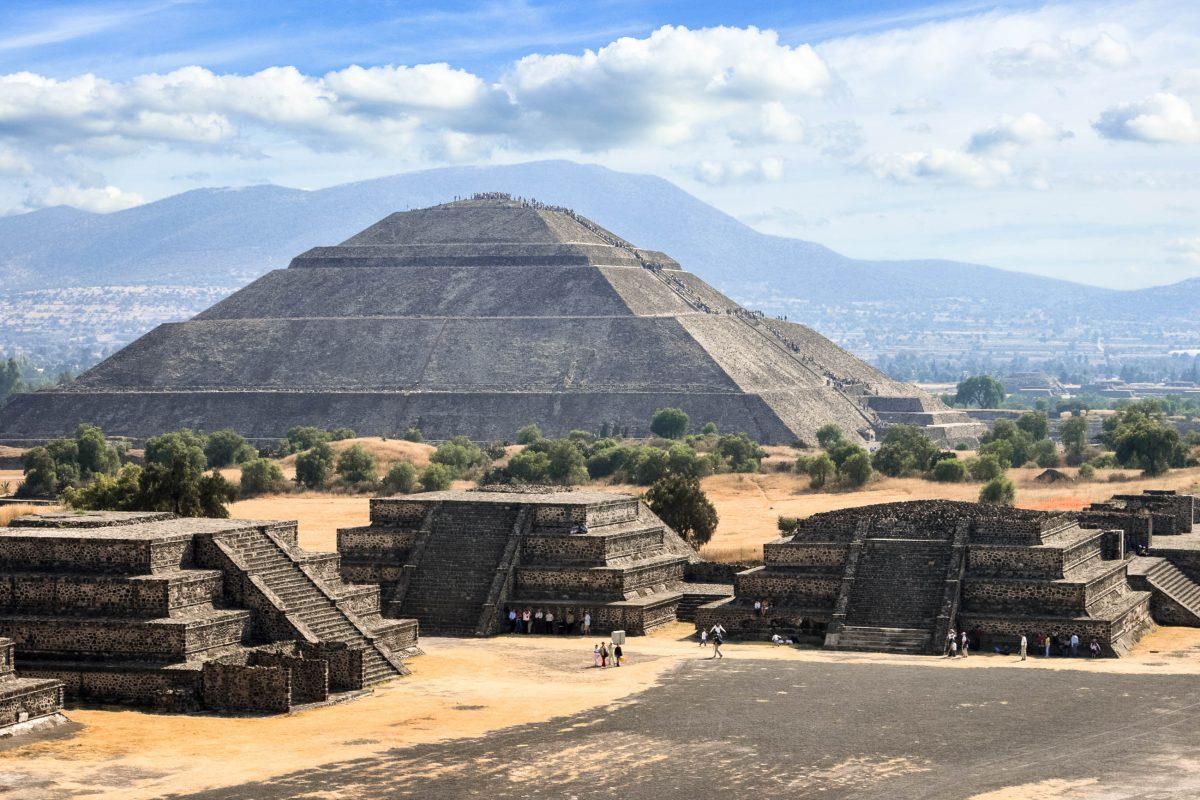 Die Sonnenpyramide in Teotihuacan, Mexiko - © Dmitry Rukhlenko / Fotolia