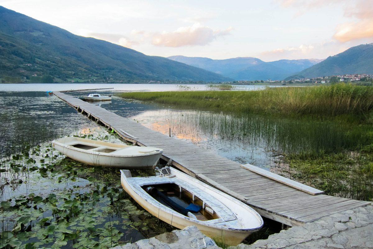 Abendstimmung am Plavsko-See in der Nähe von Plav, Montenegro - © FRASHO / franks-travelbox