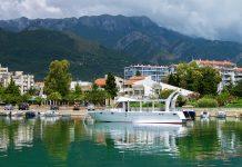 Bar im Süden Montenegros war früher eine bedeutende Hafenstadt, heute ist davon noch der Fähr- und Verladebetrieb übrig geblieben - © karnizz / Shutterstock