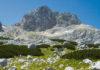 Der Aufstieg auf den 2522m hohen Bobotov Kuk im Durmitor Nationalpark gilt als schönste Wanderung von Montenegro  - © mina / Shutterstock