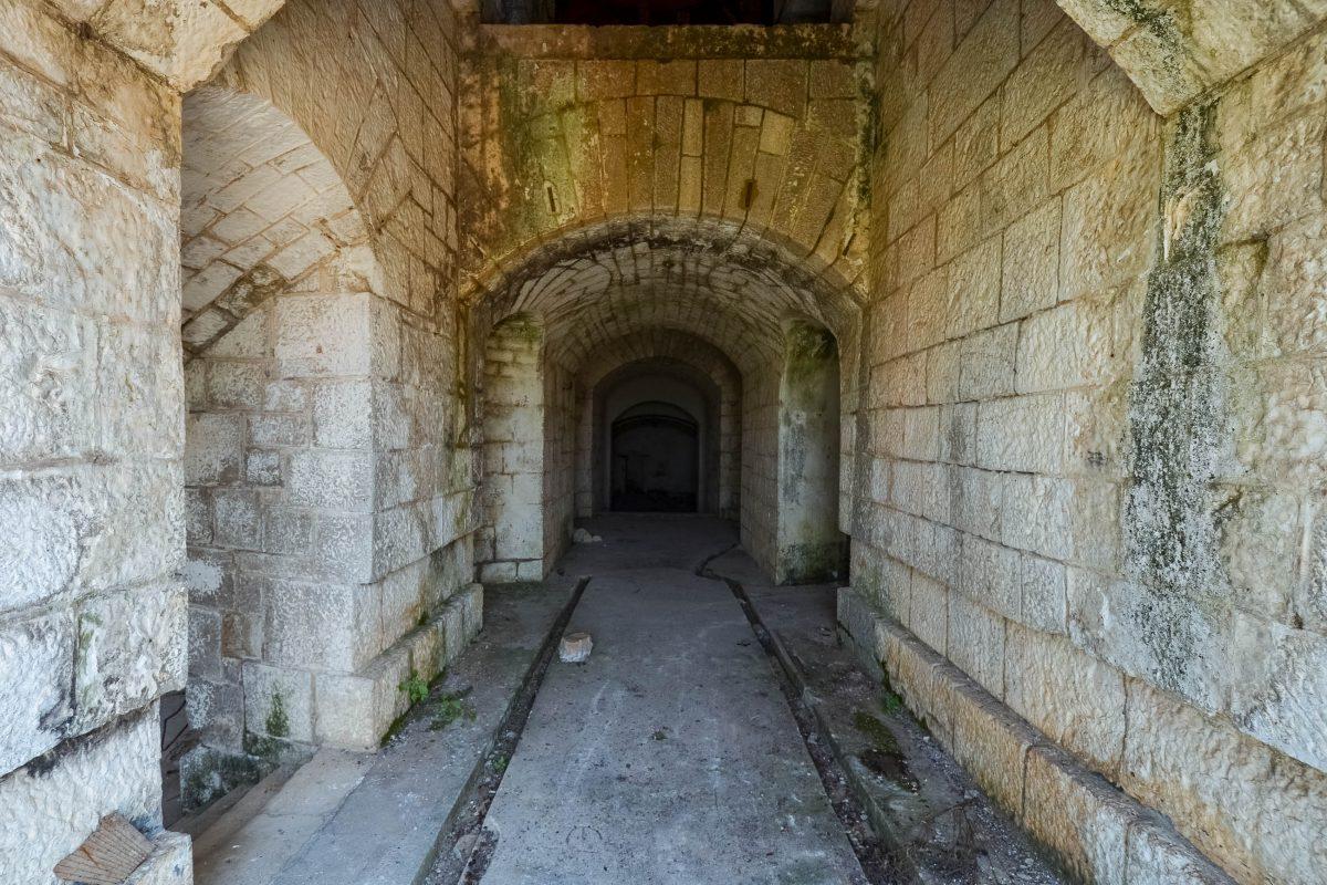 Die Festung Gorazda in Montenegro kann auf eigene Faust besichtigt werden - © FRASHO / franks-travelbox
