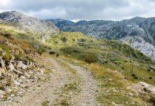 Im Sommer lockt der Durmitor Nationalpark im Norden von Montenegro mit seinen zahlreichen Wanderwegen und Bergsteiger-Routen durch die faszinierende Gebirgslandschaft - © FRASHO / franks-travelbox