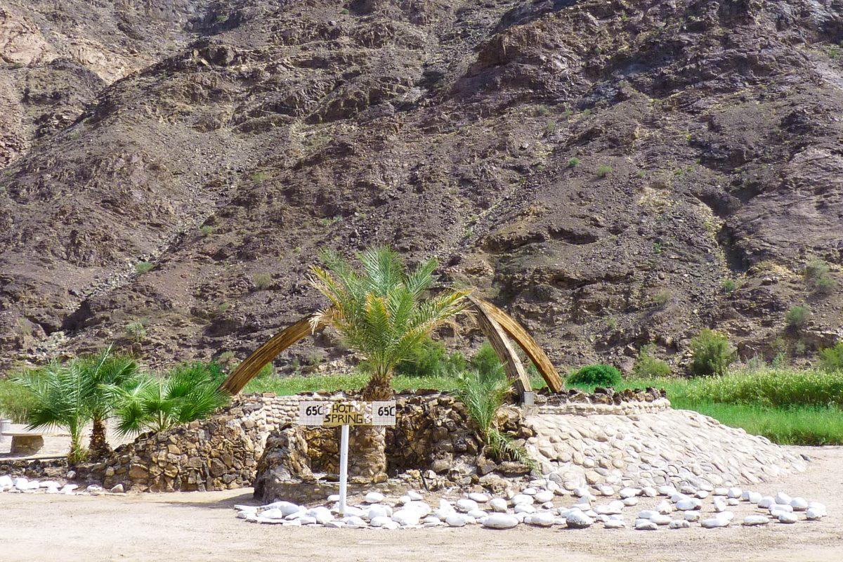 Die Thermalquellen in der Ortschaft Ai Ais sind einen Extra-Abstecher nicht wert, Fish River Canyon, Namibia - © FRASHO / franks-travelbox
