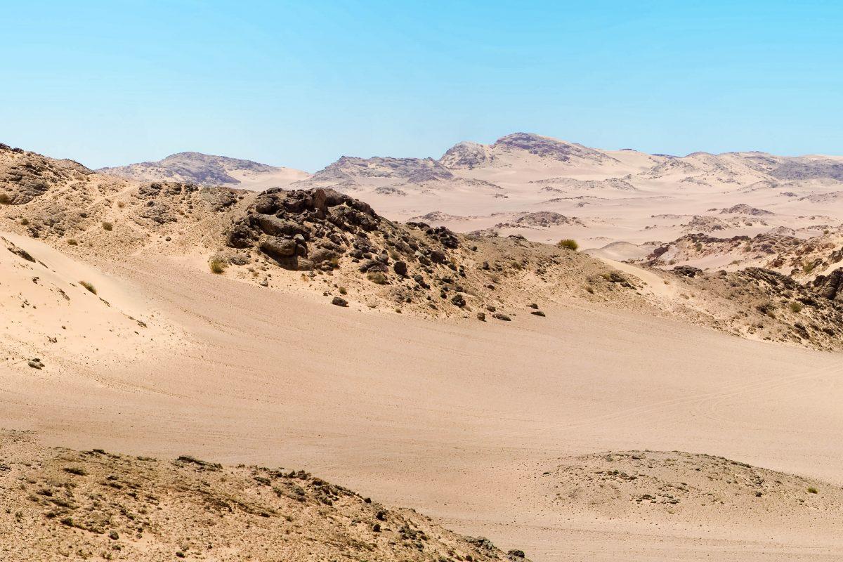 Sanddünen Panorama an der Skelettküste in Namibia - © Watchtheworld / Shutterstock