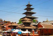 Der Kumbeshwar Tempel befindet sich in Patan, der viertgrößten Stadt Nepals, und ist der wichtigste Shiva-Tempel der Stadt - © Bgabel CC BY-SA3.0/Wiki