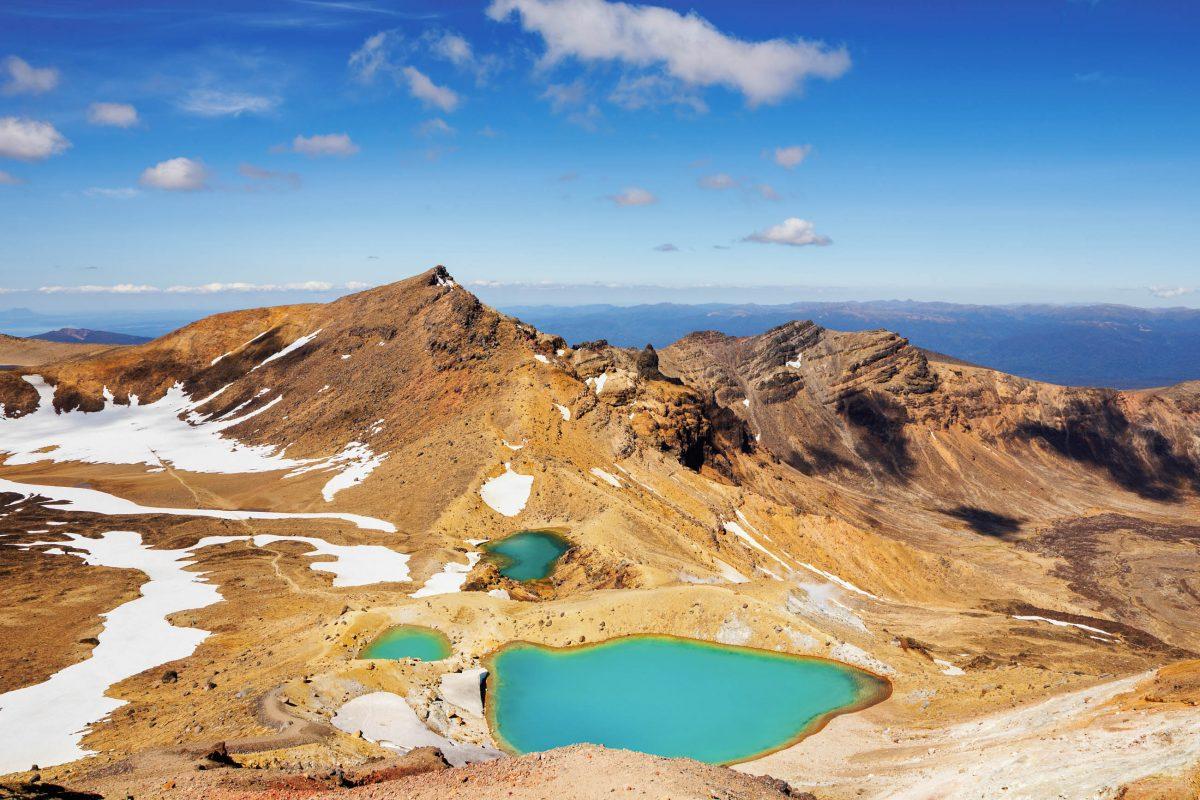 Blick auf den Emerald See im Tongariro Nationalpark auf der Nordinsel Neuseelands - © Pichugin Dmitry / Shutterstock
