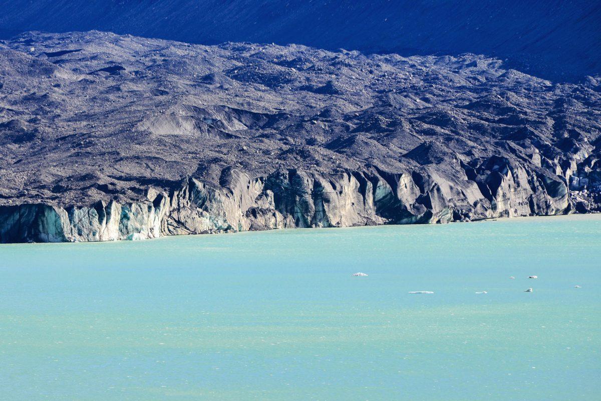 Die mit Schutt und Geröll bedeckte Zunge des Tasmanischen Gletschers ist erst auf den zweiten Blick erkennbar, Neuseeland - © FRASHO / franks-travelbox
