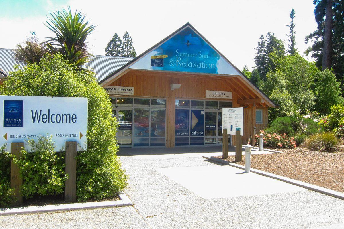 Sowohl im Sommer als auch im Winter locken die natürlich geheizten Thermalbäder von Hanmer Springs auf der Südinsel von Neuseeland - © FRASHO / franks-travelbox