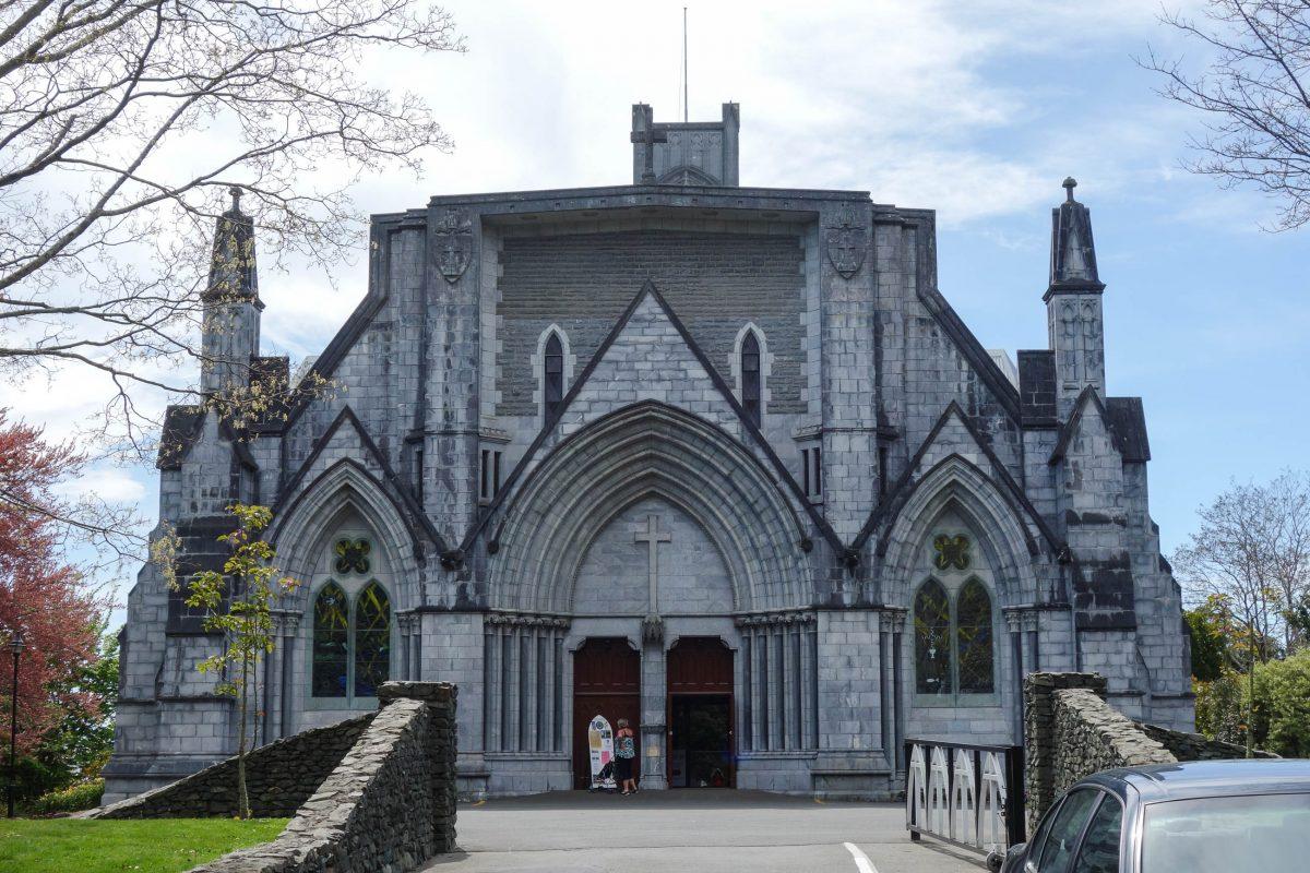 Die 58m lange und 27m breite Christ Church Cathedral in Nelson wurde von 1925 bis 1972 im Art-Deco-Stil erbaut, Neuseeland - © Schwede6 CC BY-SA3.0/Wiki