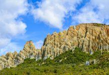 Die bizarren Clay Cliffs bei Omarama auf der Südinsel von Neuseeland sind definitiv einen Zwischenstopp wert - © FRASHO / franks-travelbox