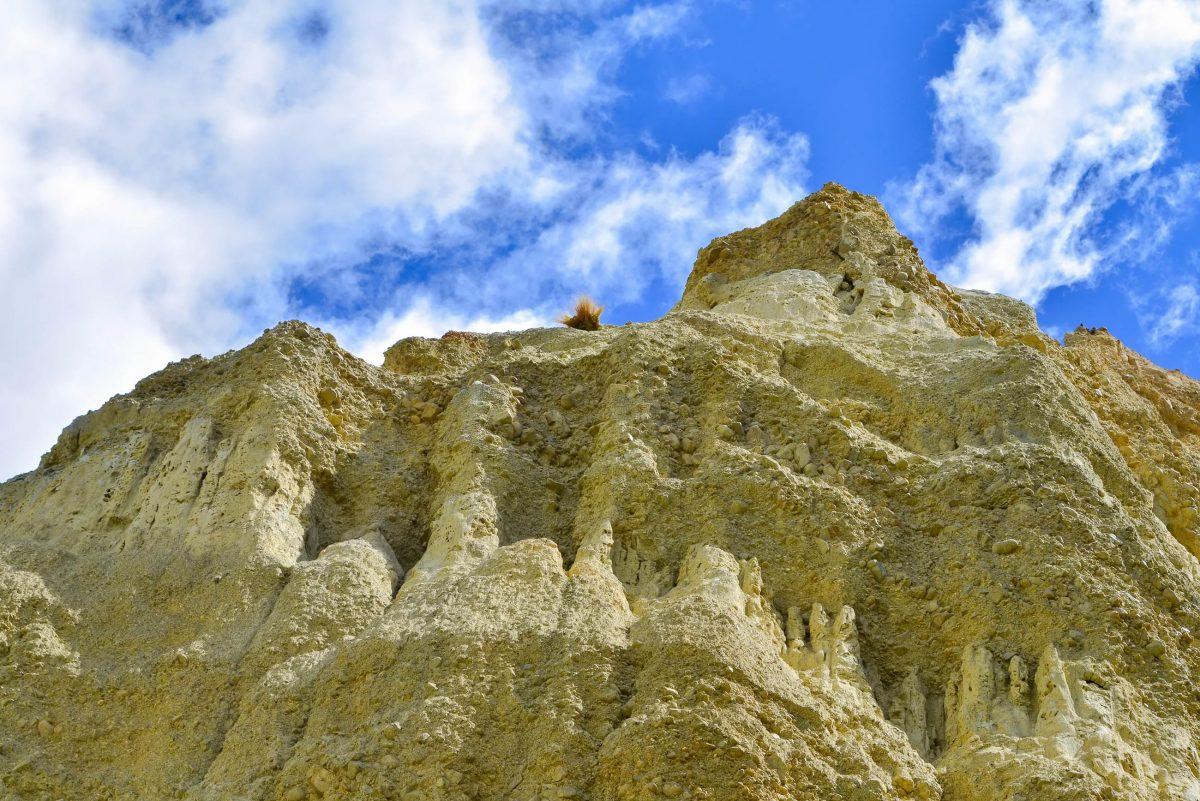 Die Omarama Clay Cliffs bestehen aus abertausenden Schichten von Schlick und Geröll, Neuseeland - © FRASHO / franks-travelbox