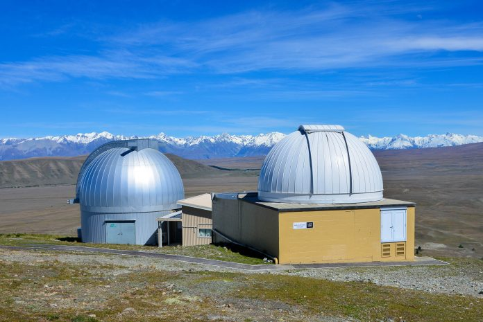Am Mount John Observatory am Ufer des Lake Tekapo, Neuseeland, präsentiert sich jede Nacht ein spektakulärer Sternenhimmel  - © FRASHO / franks-travelbox