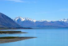 Der traumhafte Lake Tekapo im Zentrum der Südinsel ist für viele Besucher der Inbegriff des Neuseeland-Panoramas - © FRASHO / franks-travelbox
