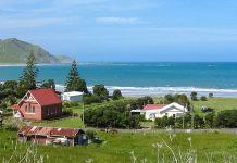 Die Strände in Whangara eignen sich hervorragend zum Baden, Schwimmen und Surfen, Neuseeland - © Avenue CC BY-SA3.0/Wiki