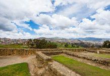 In León-Viejo in Nicaragua sind heute noch die Grundmauern von Gebäuden aus dem 16. Jahrhundert zu besichtigen - © Paul S. Wolf / Shutterstock