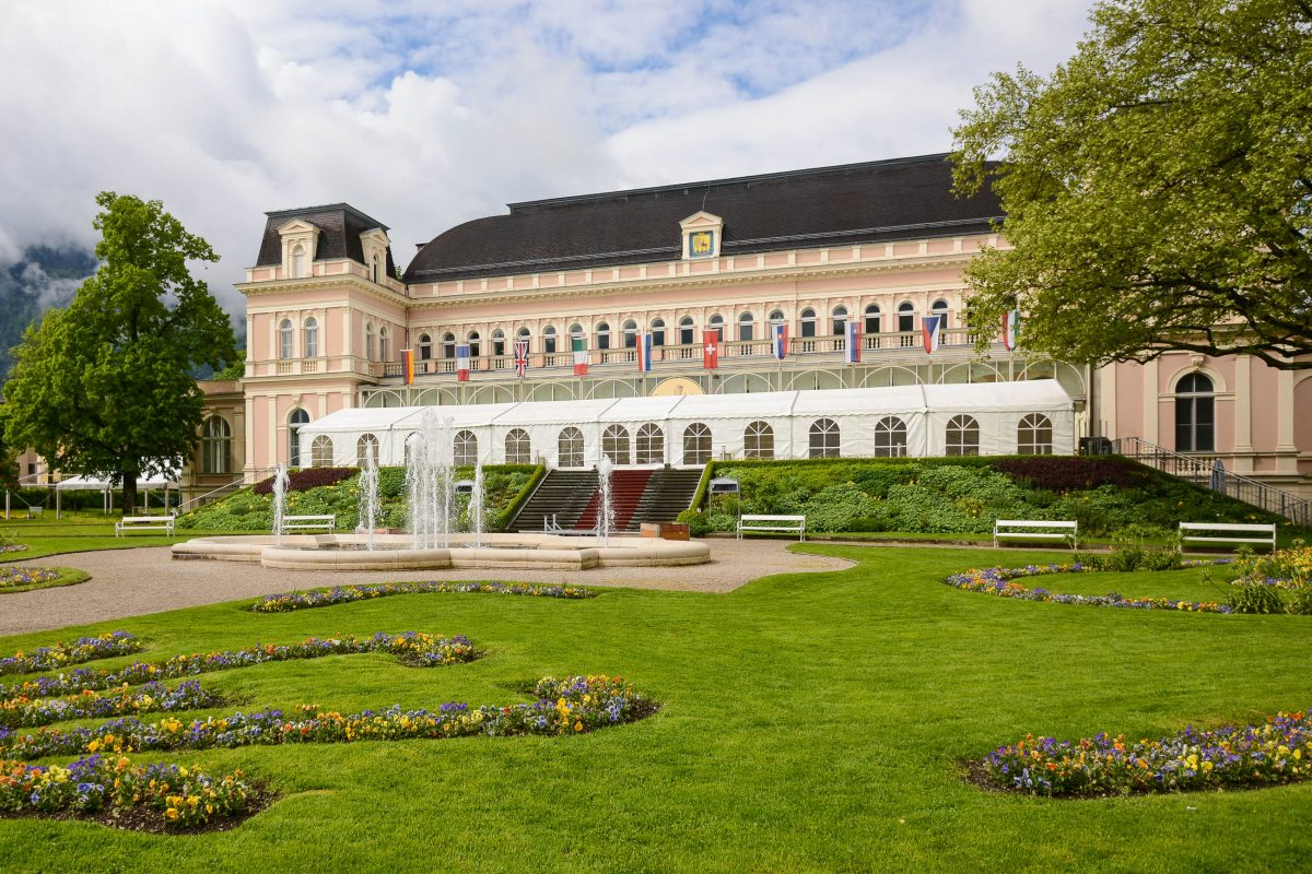 Das Kongress- und Theaterhaus im Stadtpark von Bad Ischl ist Spielstätte des Lehár-Festivals und der Operettenwochen, Österreich - © James Camel / franks-travelbox