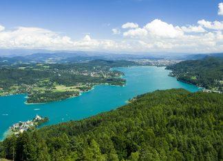 Blick auf den Wörthersee, der mit einer Fläche von knapp 20km² der größte See Kärntens ist, Österreich - © Andreas / Fotolia